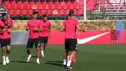 Entrenamiento del Sevilla con Ocampos, De Jong, Banega y Franco Vázquez