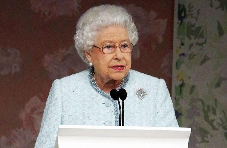 Queen Elizabeth allows Boris Johnson to exercise at Buckingham Palace