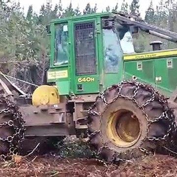 Skidder Struggling to Pull Large Trees Uphill | John Deere 640H | Forestry Equipment