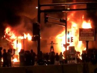 """تواصل الاحتجاجات في أمريكا على خلفية مقتل """"جورج فلويد"""""""