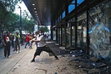Continúan los disturbios y al menos 40 ciudades de EEUU imponen el toque de queda