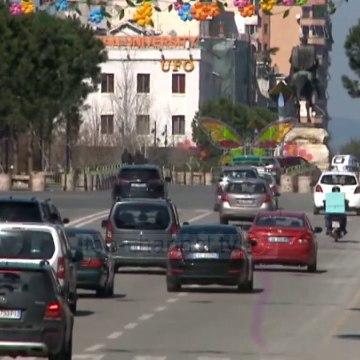 Top News - Kaosi me urdhërat/ Policia- lejohen makinat të dielën