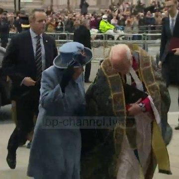 Top News - Mbretëresha Elisabetë rishfaqet mbi kalë pas izolimit