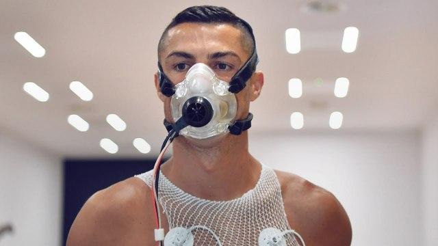 Cristiano Ronaldo choque les médecins lors des tests physiques post-confinement ! | Oh My Goal