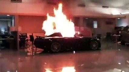 VÍDEO: Saquean un concesionario de Mercedes en Oakland (California, EE.UU)