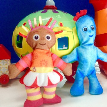 Iggle Piggle and Upsy Daisy Dance In The Night Garden