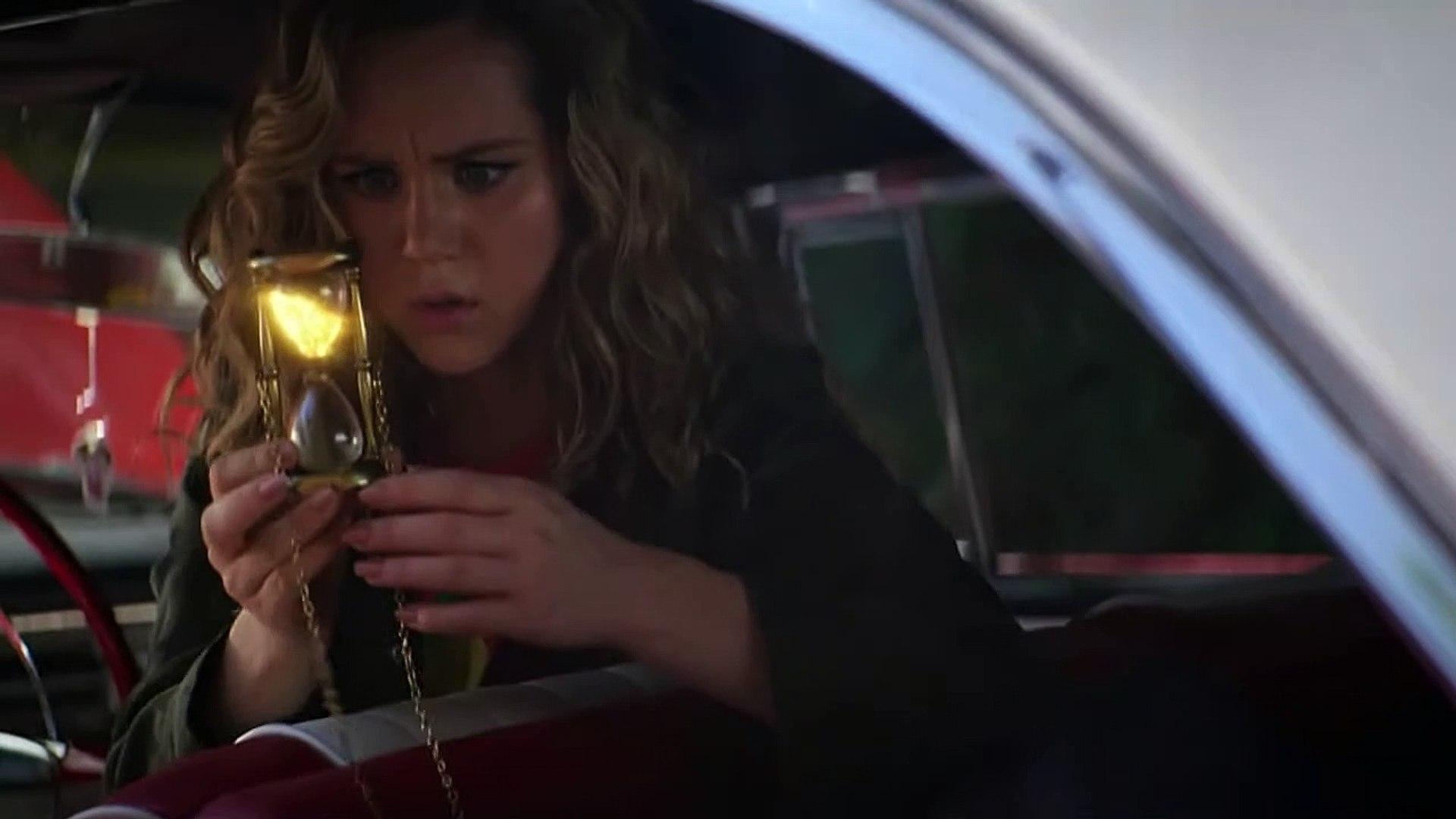 Stargirl S01E05 Hourman and Dr. Mid-Nite