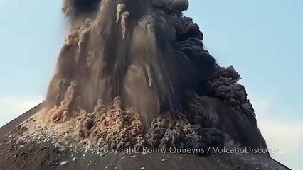 Voyage : Éruption du volcan Krakatoa