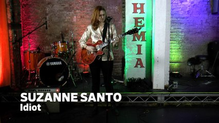 """Dailymotion Elevate: Suzanne Santo  - """"Idiot"""" live at Cafe Bohemia, NYC"""