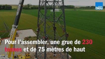 Assemblage du pylône de Faux-Fresnay