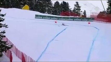 Sport : Descente à ski... sur un seul ski