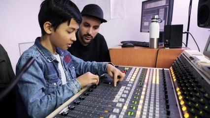 Découvrez l'atelier radio Mouv'Inside pour les jeunes !