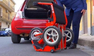 دراجة آلية صغيرة الحجم لمن يعانون من مشاكل في الحركة