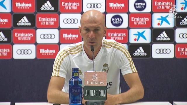 """Real Madrid - Zidane sur Varane/Ramos : """"C'est la meilleure doublette de l'histoire du club"""""""