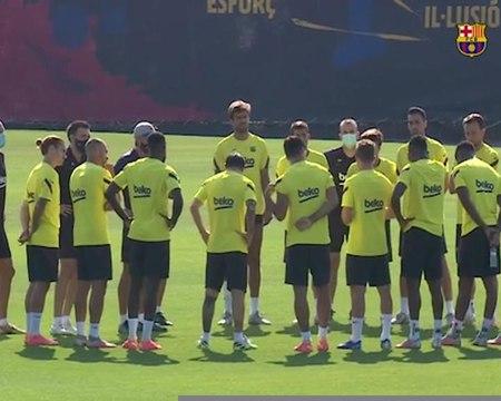 Barcelone - Sur le départ, Arthur salue ses coéquipiers