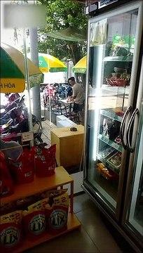 Thực hư việc Hoài Lâm về quê bán cà phê