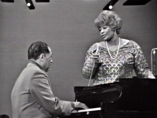 Ella Fitzgerald - Do Nothing Till You Hear From Me