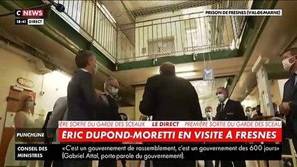 """Regardez les détenus qui saluent aux cris de """"aquittator"""" la première visite dans une prison du nouveau Ministre de la Justice, Eric Dupond-Moretti hier soir"""