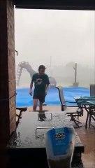 Ils est conseillé de bien attacher son trampoline en pleine tempête