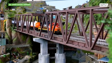 Mate as saudades do Ferrorama com a maior ferrovia de brinquedo do mundo em Bispingen!