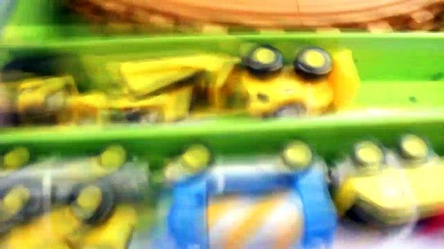 Imaginext Batman Dreams about Joker Driving Cat Wooden Construction Train Hulk