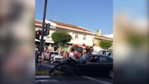 Provoca un accidente de tráfico en Lepe y se resiste a la autoridad en biquini y a gritos