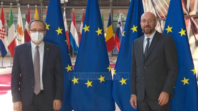Top News - Hoti dhe Vuçiç takohen sot virtualisht
