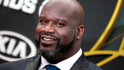 Shaquille O'Neal Helps Stranded Driver On Highway