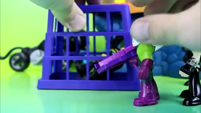 Imaginext Batman is captured by Bane Catwoman Robin Save Him