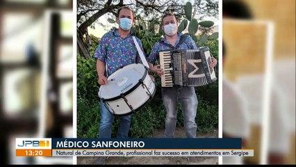 Médico paraibano alegra e emociona pacientes de hospital em Sergipe tocando sanfona