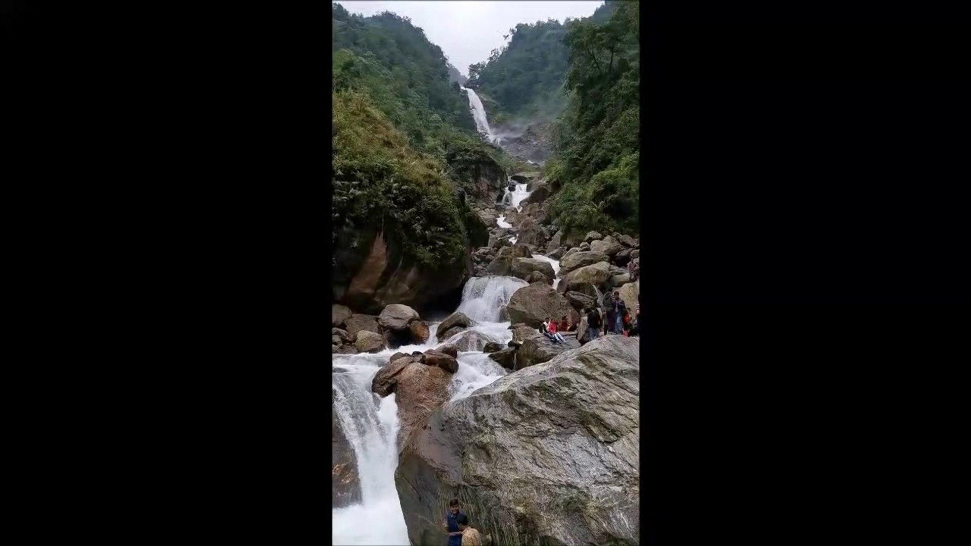 Amitabh bacchan falls