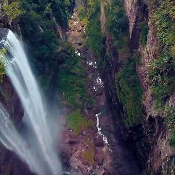 Waterfalls|High Angle View Of Waterfalls| Landscapes around the world| Discover the nature| Natural beauties discovery