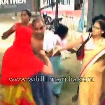 Man taught a lesson by women in Kanpur, India