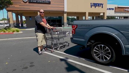 Guy Is More Than Happy To Be Called Out By The 'Cart Narcs'