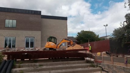 Work restarts on The Wouldhave pub in South Shields
