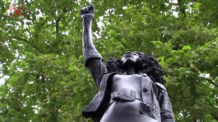 Statue of Black Lives Matter Protestor Secretly Replaces Toppled Monument of Slave Trader