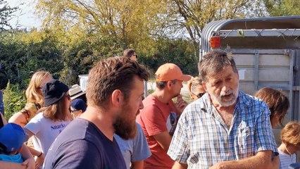 Saint-Gilles : lâcher de canards dans les rizières de Bernard Soujol et Mathieu Lacan
