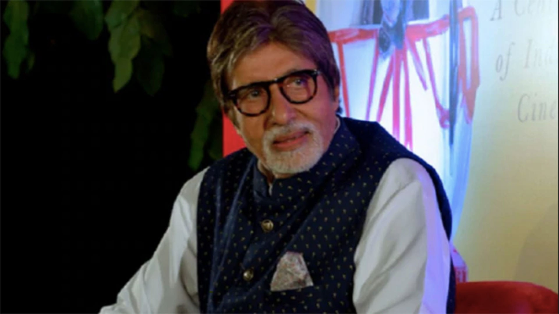 Amitabh Bachchan tweets message for fans