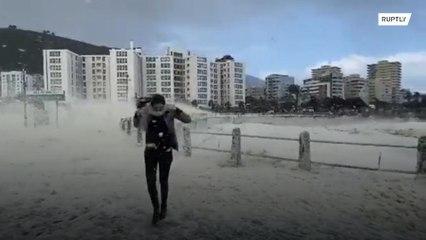 """جنوب افريقيا: """"ثلوج"""" بحرية مدهشة !!!"""