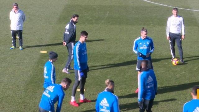 Real Madrid - Courtois remporte son troisième Trophée Zamora