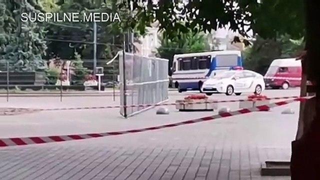 الافراج عن جميع الرهائن المحتجزين في حافلة في اوكرانيا