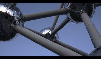 Henri PFR au sommet de l'Atomium à l'occasion de la fête nationale