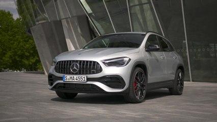 The new Mercedes-AMG GLA 45 S 4MATIC+ Design in Iridium silver