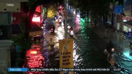 TPHCM: Mưa lớn kéo dài, nhiều tuyến đường ngập nặng | VTC