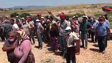 Salihli'de yol yapımına direnen köylüler gözaltına alındı