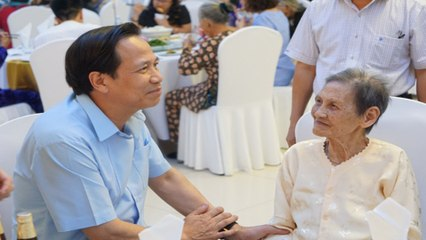 Xúc động chương trình gặp mặt bà mẹ Việt Nam anh hùng | VTC
