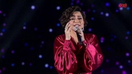 """شيرين عبدالوهاب تشارك الجمهور غناء أغنيتها """"كتير بنعشق"""""""