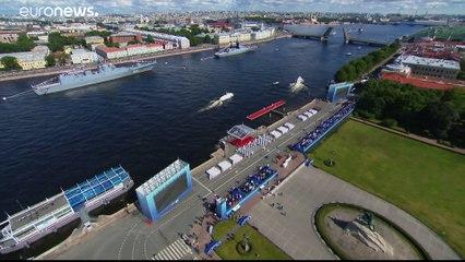 Russischer Tag der Marine - Putin will Kriegsschiffe aufrüsten