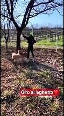 Giro al laghetto per Valentino Rossi e Francesca Sofia Novello: ecco come il Dottore trascorre la sua quarantena