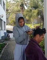 Georgina si improvvisa parrucchiera per il suo Cristiano Ronaldo: taglio di capelli live in quarantena